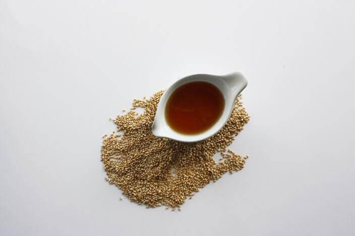 痩せる食事におすすめなのがオリーブオイルやゴマ油