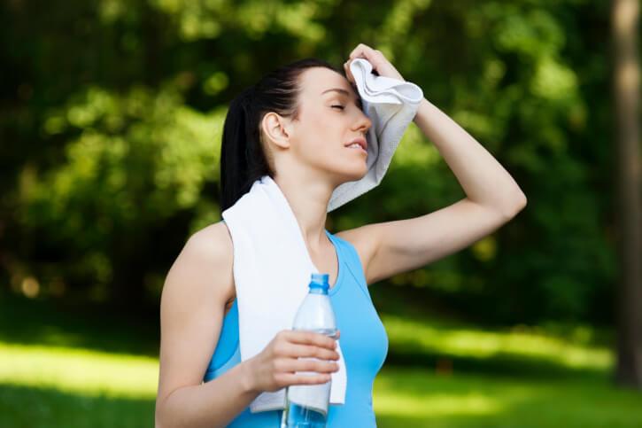 デトックスで汗をかくのは効果がない?