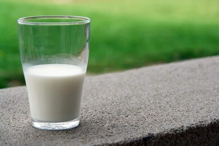 【痛風対策3】尿酸値を下げる食べ物を食べる