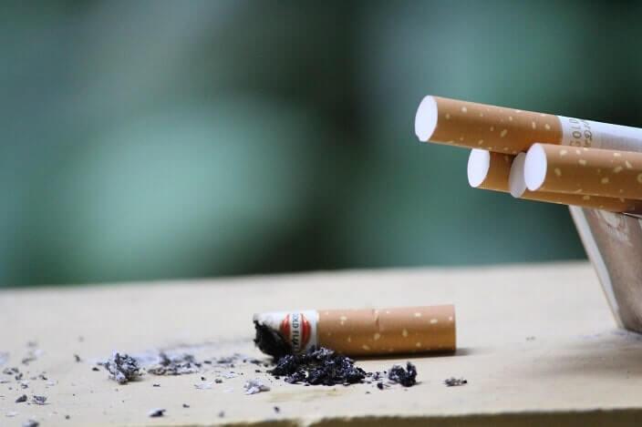 喫煙が原因となることも