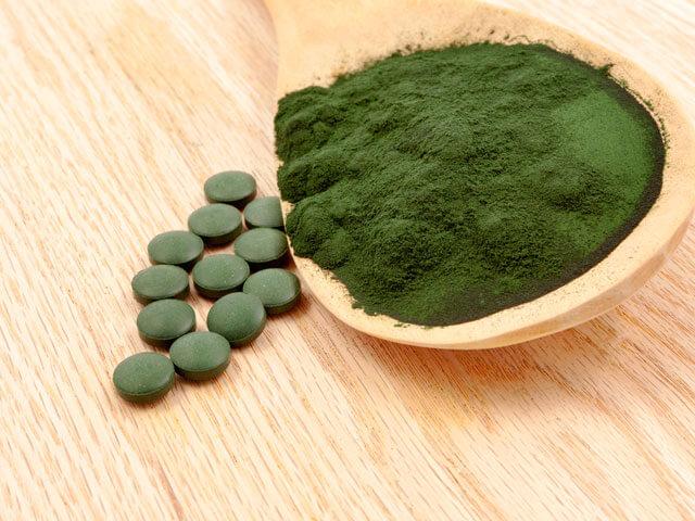 サプリで、ビタミンやミネラルやアミノ酸が簡単に補給できる