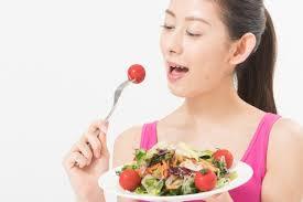 ニキビ改善に役立つ食べ物を解説!